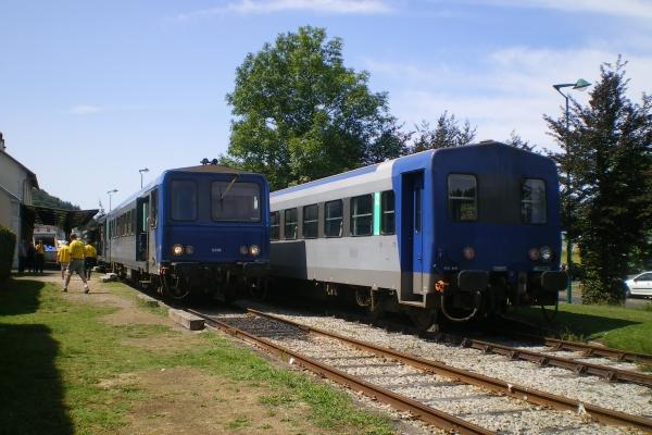70f-riom-navette-rv-fete-du-bleu-19-087B96E38D-B30A-DF70-2E2D-4264AFC1A641.jpg